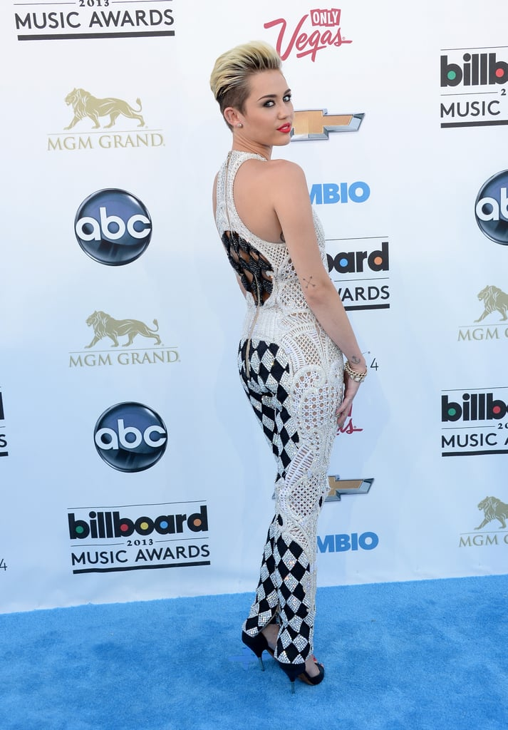 Sexy Miley Cyrus Red Carpet Pictures