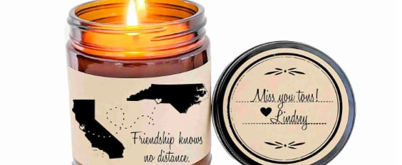 This Long-Distance BFF Candle Is Perfect For Separated Pals