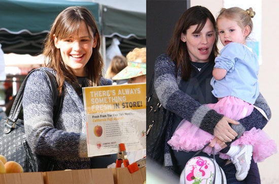 Photos of Jennifer Garner and Daughter Violet Affleck Going to the Farmers Market and Preschool