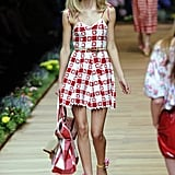 Spring 2011 Milan Fashion Week: D&G 2010-09-23 12:42:22