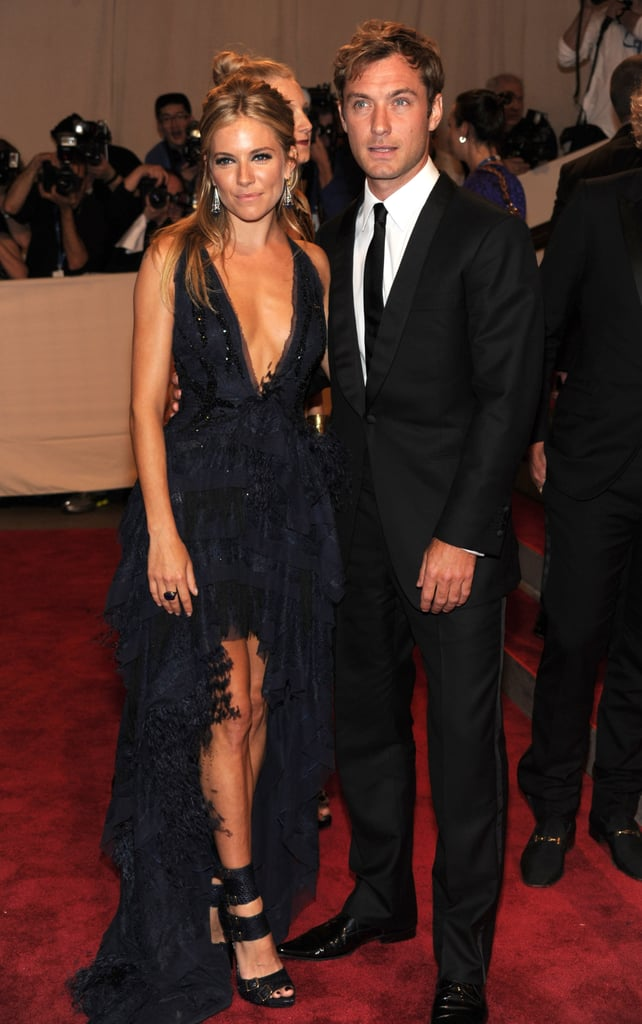 Pictures of Sienna Miller and Jude Law Together at the 2010 Met Costume Institute Gala