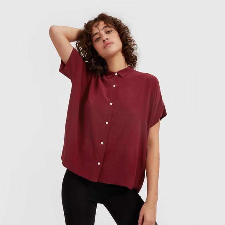 706f51c76c664 Everlane Silk Short-Sleeve Square Shirt