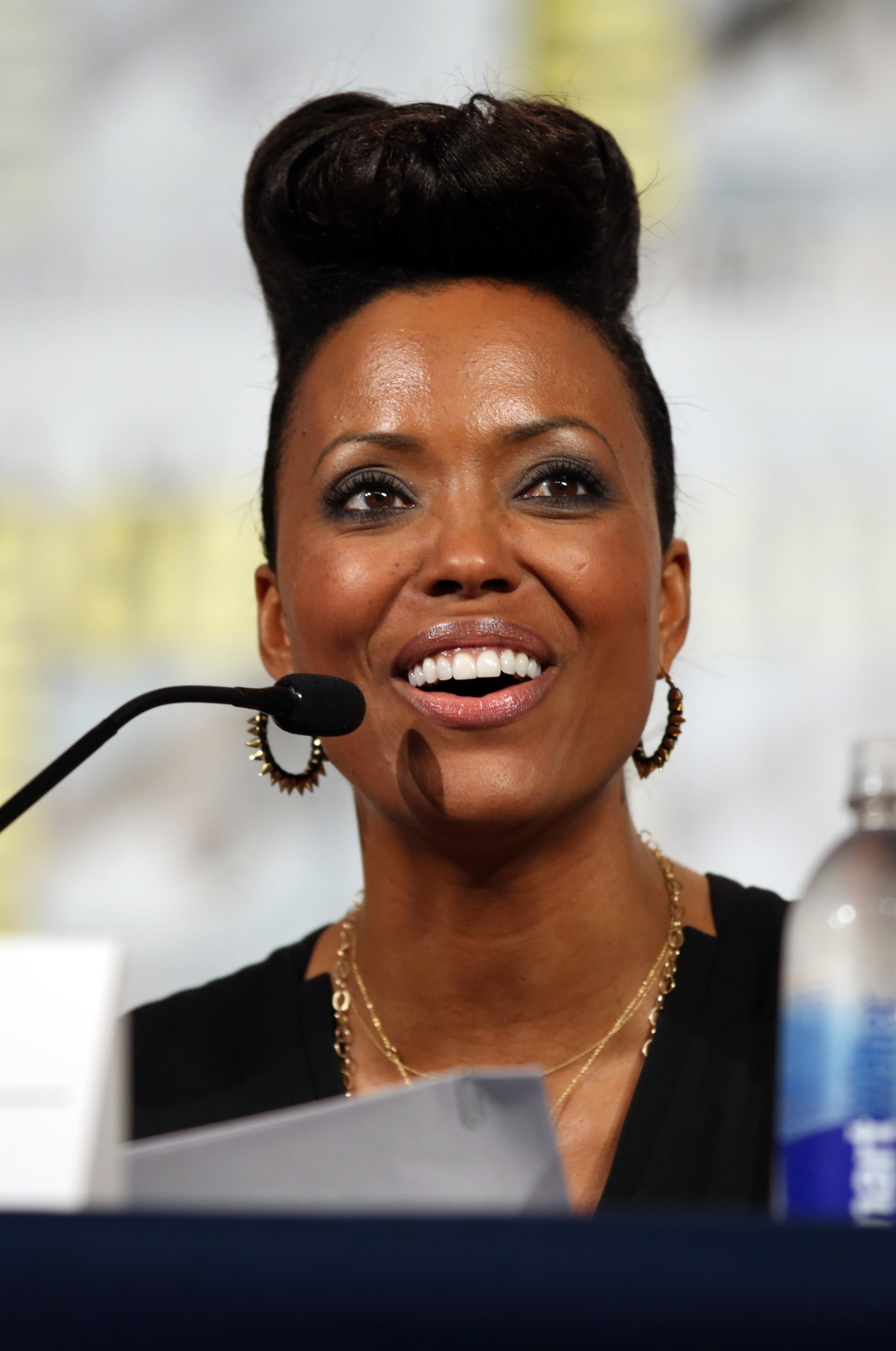 With her smoky eye and mile-high hair, Aisha Tyler rocked the Archer screening and Q&A.