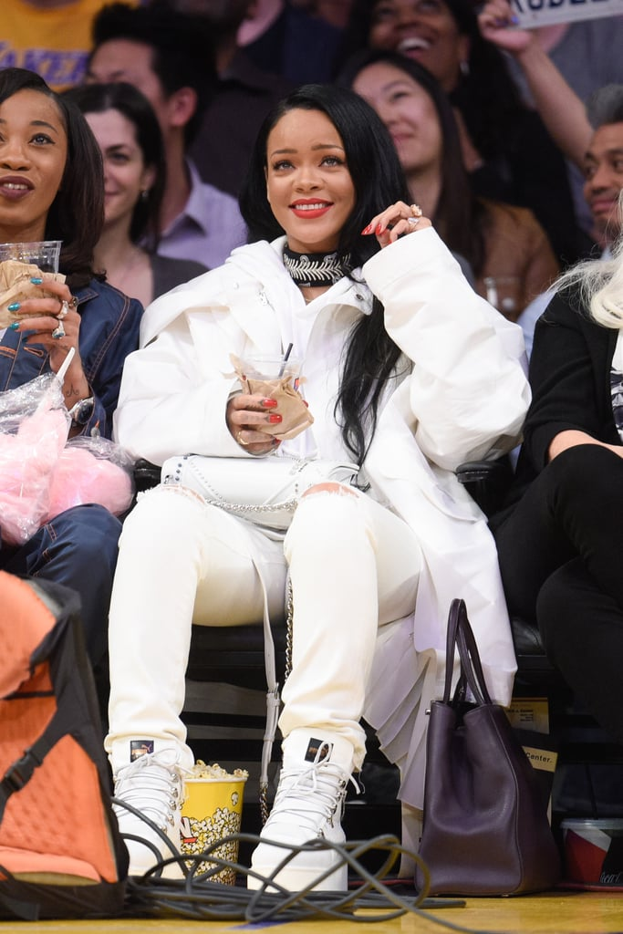 Rihanna at Lakers Game March 2016