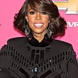 Kelly Rowland gave everyone on the carpet a lesson in a full bouncy, blow dry.
