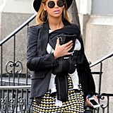 Beyoncé Knowles carried Blue Ivy Carter.