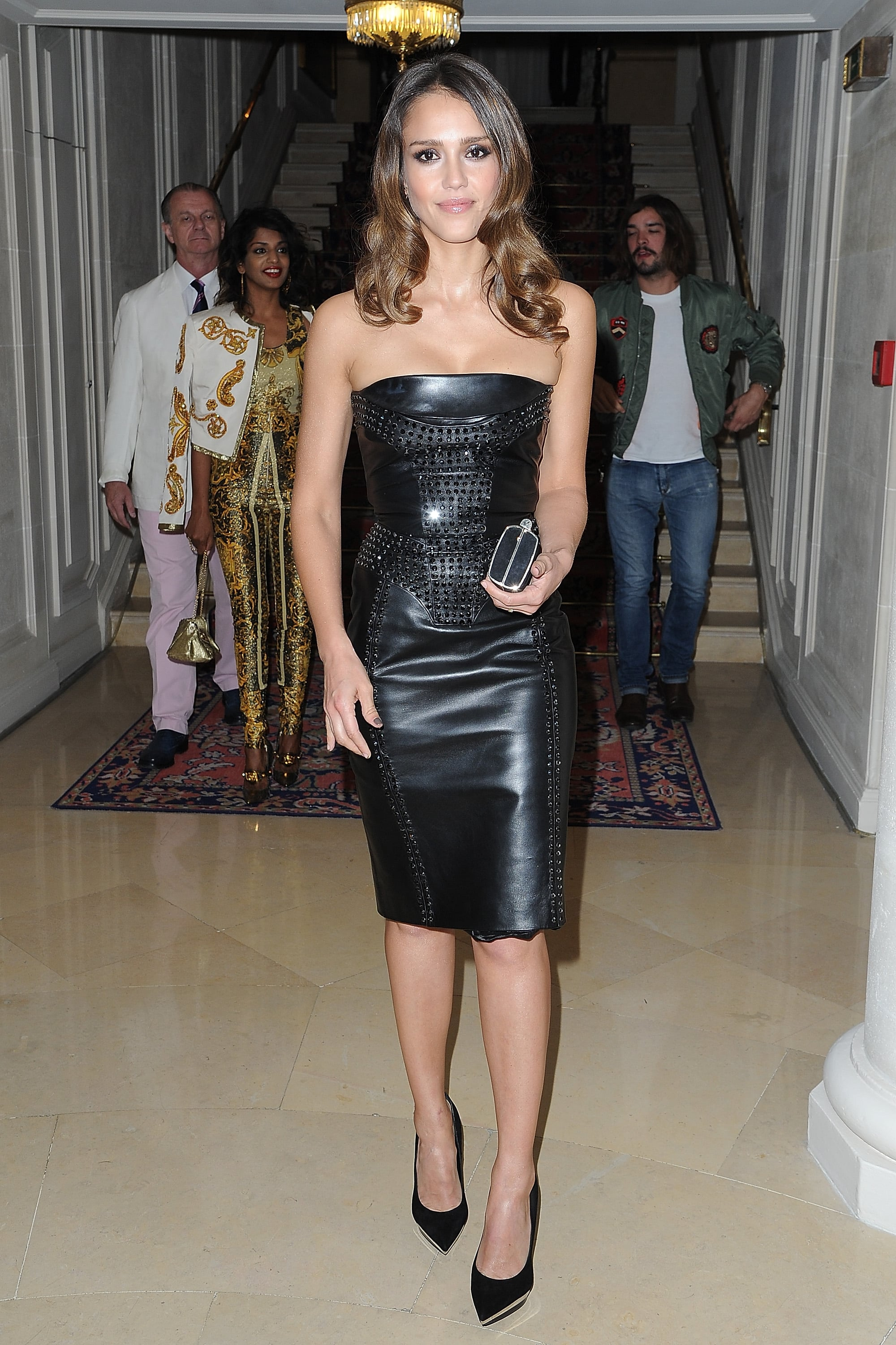 Jessica Alba made her way into the Versace show for Paris Fashion Week.