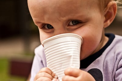 3 Reasons Not To Let Your Preschooler Sip Your Drinks