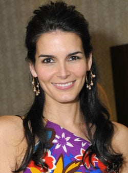Angie Harmon Is Voting for John McCain