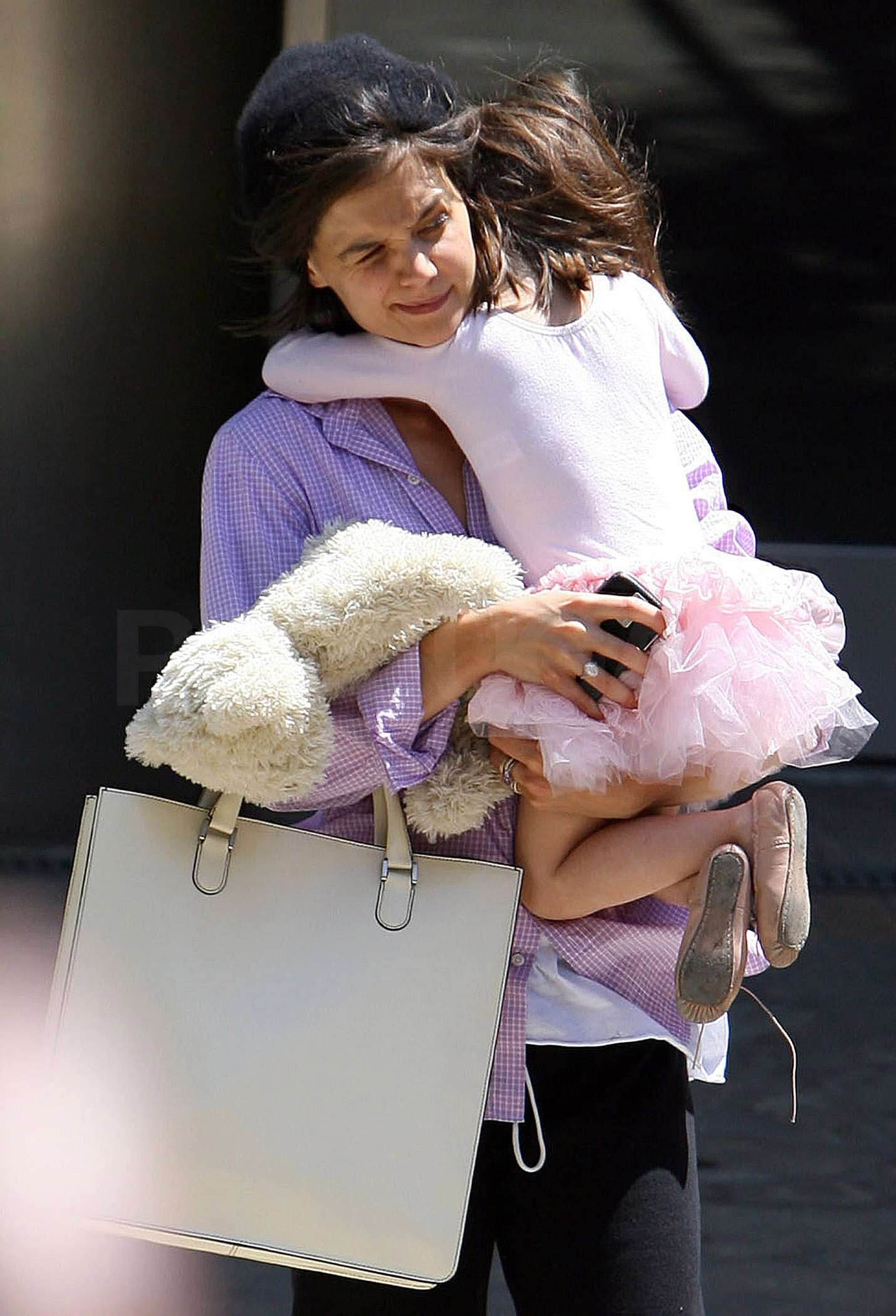 photos of katie holmes and suri cruise leaving a dance