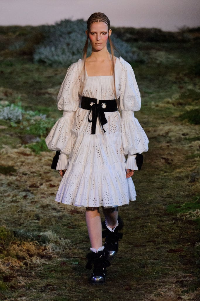alexander mcqueen fall 2014 runway show paris fashion