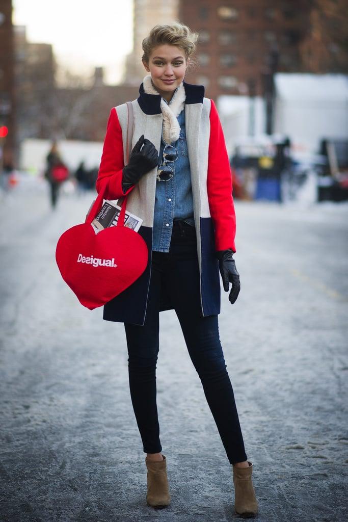 ظهرت بإطلالة ملوّنة في شوارع نيويورك خلال أسبوع الموضة الأوّل لها عام 2014.