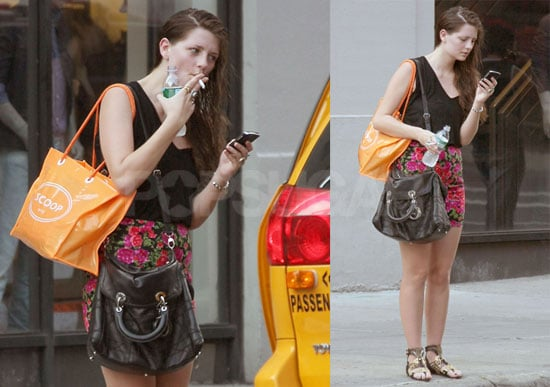 Photos of The Beautiful Life's Mischa Barton Smoking and Shopping in NYC