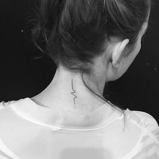 25 Back Of The Neck Tiny Tattoos To Inspire Your Next Ink: Back-of-the-Neck Tattoo Ideas