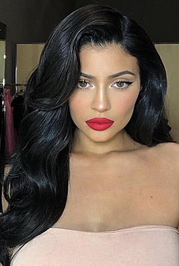 Holiday Makeup Ideas From Kylie Jenner