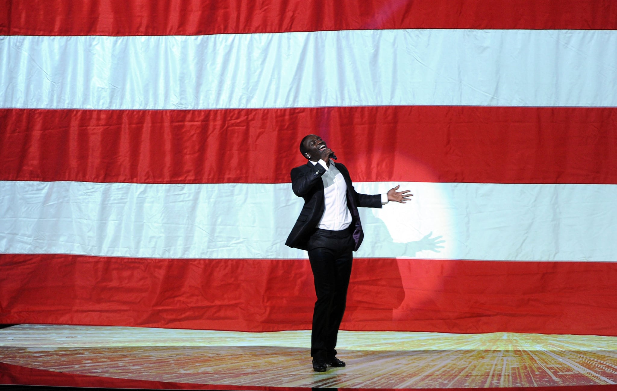 Akon performed at the 2011 Emmy Awards