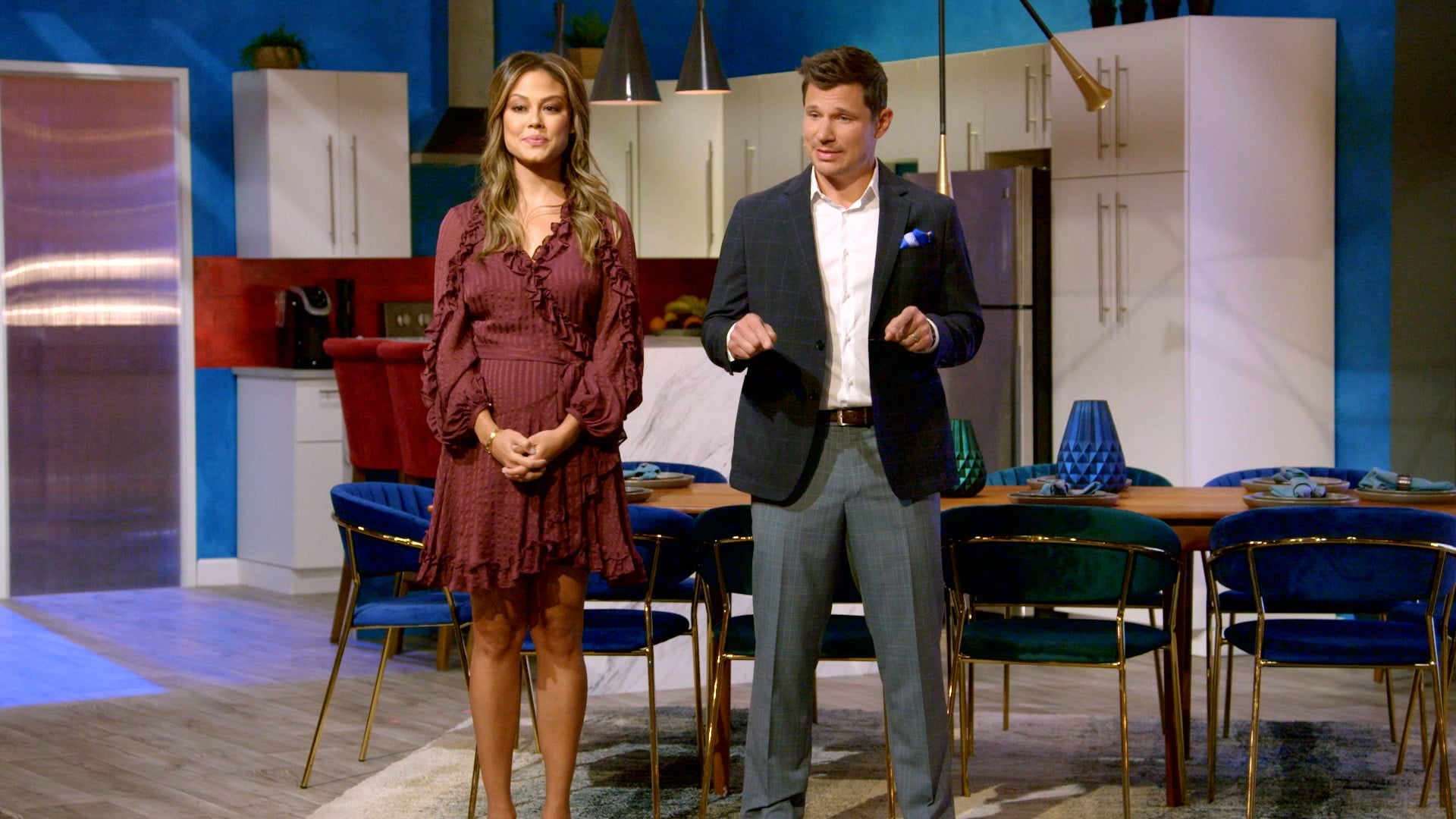 LOVE IS BLIND, from left: co-hosts Vanessa Lachey, Nick Lachey, (Season 1, ep. 101, aired Feb. 13, 2020). photo: Netflix / courtesy Everett Collection