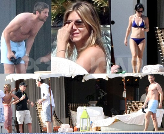 Photos of Jennifer Aniston, Gerard Butler and Courteney Cox in Mexico