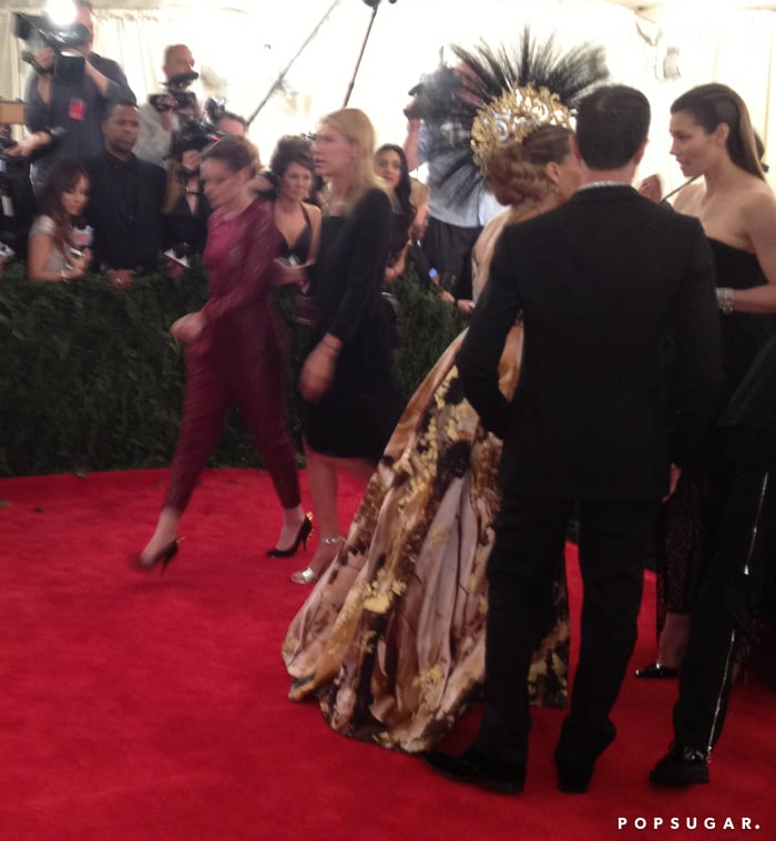 Kristen Stewart zoomed right by Sarah Jessica Parker and Jessica Biel.