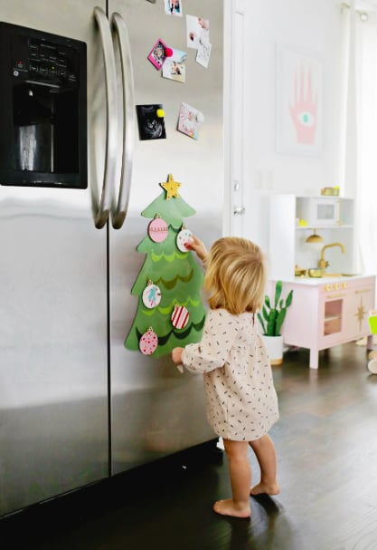 Create a Magnetic Christmas Tree
