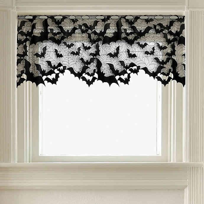 Heritage Lace Going Batty Door Swag