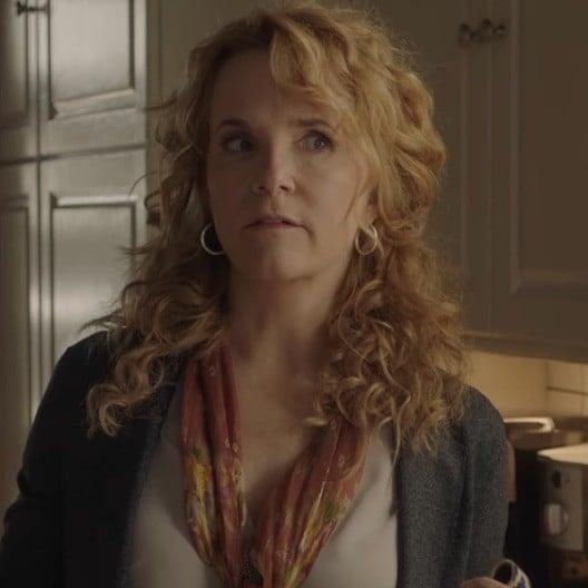 Who Plays Sierra's Mom in Sierra Burgess Is a Loser?
