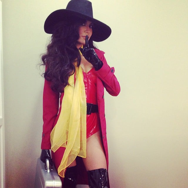 Glee star Naya Rivera gave a '90s blast from the past with her Carmen Sandiego costume. Source: Instagram user nayarivera