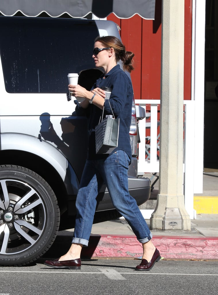 Jennifer Garner Hangs With Sam While Ben Gets a Sexy Shout-Out
