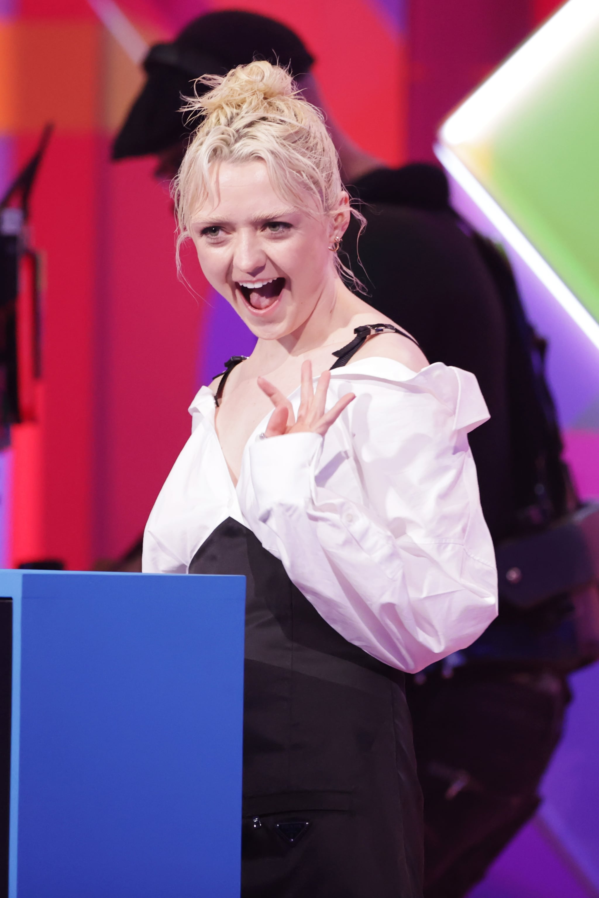 LONDON, ENGLAND - MAY 11:    Maisie Williams presents an award at The BRIT Awards 2021 at The O2 Arena on May 11, 2021 in London, England.  (Photo by David M. Benett/Dave Benett/Getty Images)