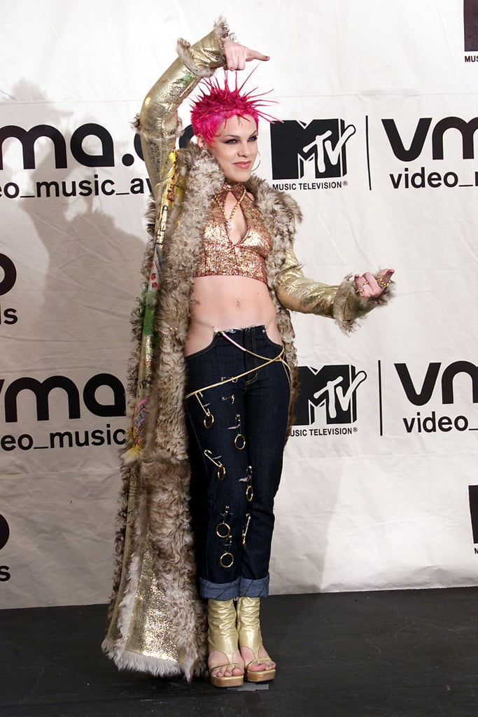 2000: Pink showed up wearing THIS amazing getup.