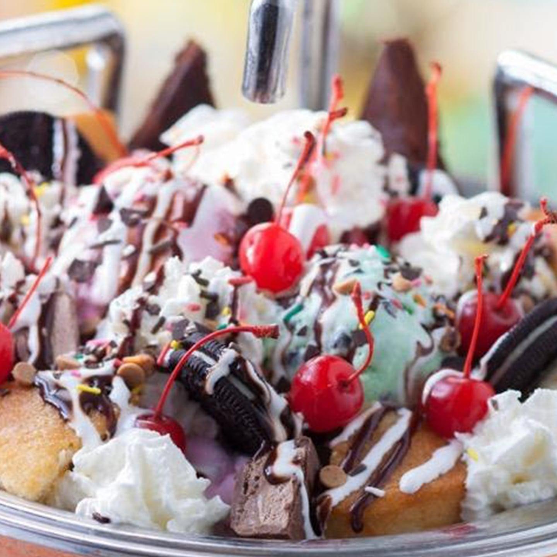 How To Make Disney S Kitchen Sink Sundae At Home Popsugar Food Uk