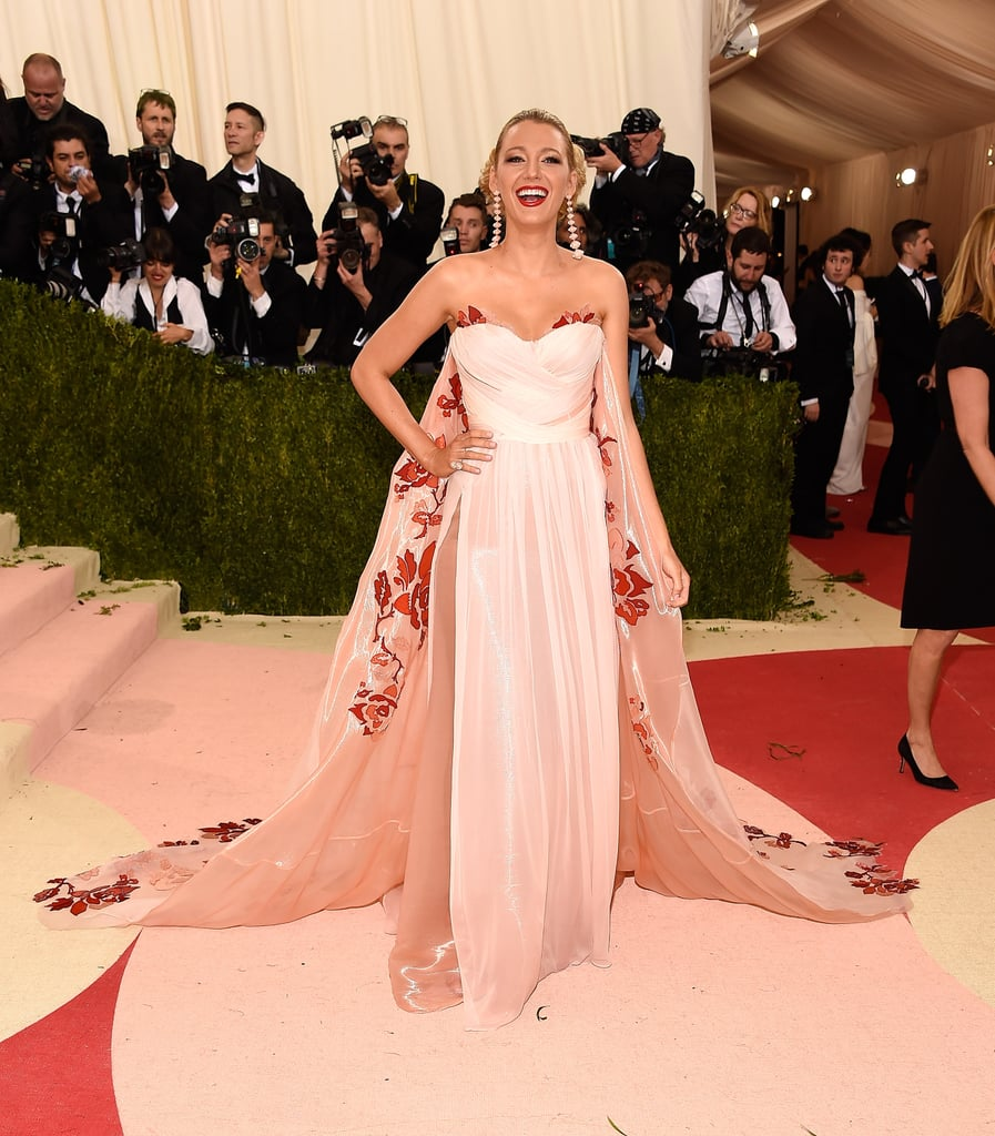 Blake Lively\'s Burberry Dress at Met Gala 2016 | POPSUGAR Fashion UK