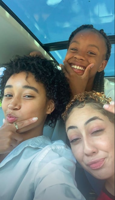 Amandla Stenberg With Natural Curly Hair