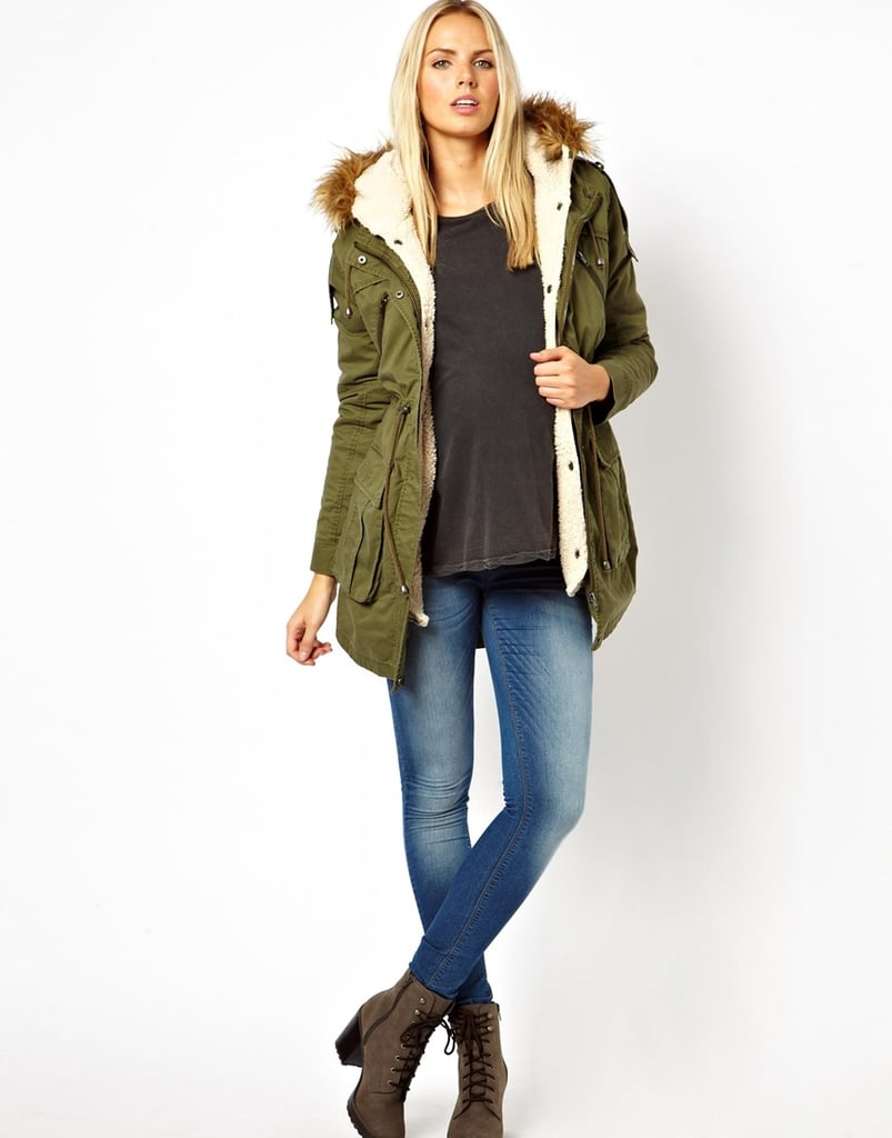 Discover the maternity outerwear collection at Thyme Maternity, comprised of coats and jackets for women to wear during pregnancy and beyond. Find warm winter jackets with coat extender panels or wool coats for fall.