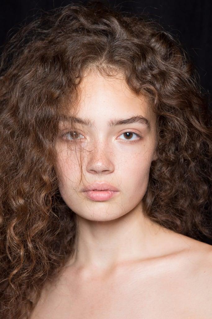 10 Brilliant Ways to Detox Your Hair According to Fashion Week Pros
