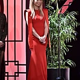 Gwyneth Showing Off Her Ring at the Producers Guild Awards