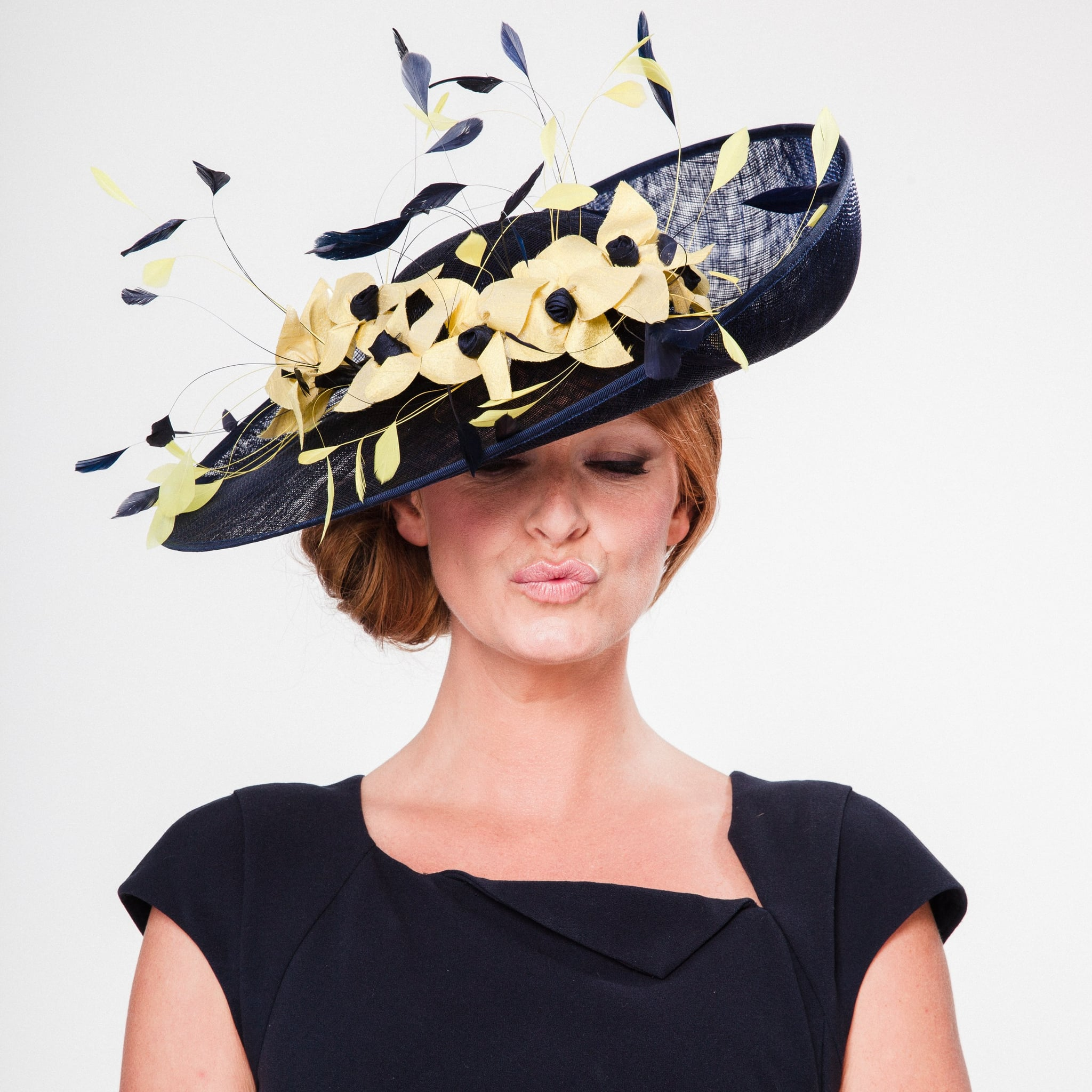 Dubai World Cup Hats and Fascinators 2017  567e6615701d