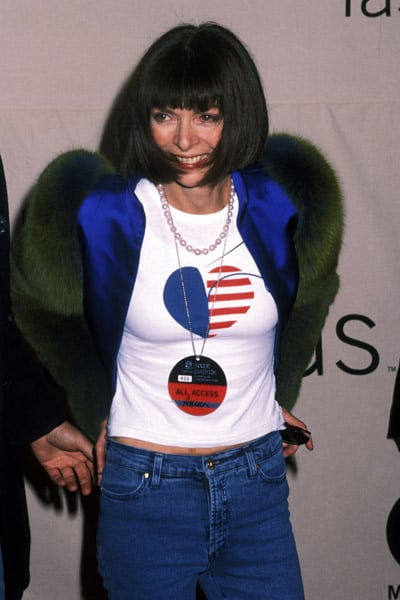 Oct. 2001: Making a rare appearance in jeans at the 2001 VH1/Vogue Fashion Awards.