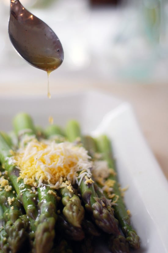 Asparagus With Grated Boiled Egg