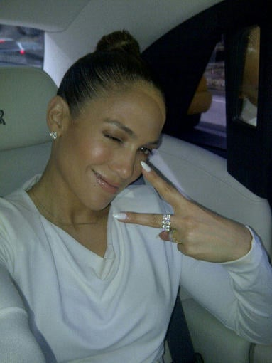 Jennifer Lopez flashed a wink and a peace sign. Source: Twitter user JLo
