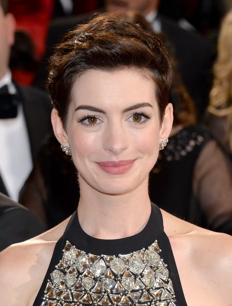 Anne Hathaway Hair And Makeup At Oscars 2014 Popsugar Beauty