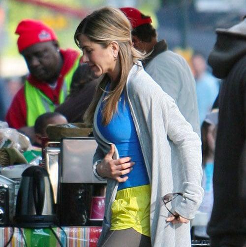 Kissing Jennifer Aniston Makes Jason Bateman Shy