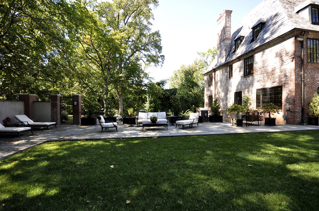 The obamas traded the white house for this 5 3m mansion for Barack obama maison blanche