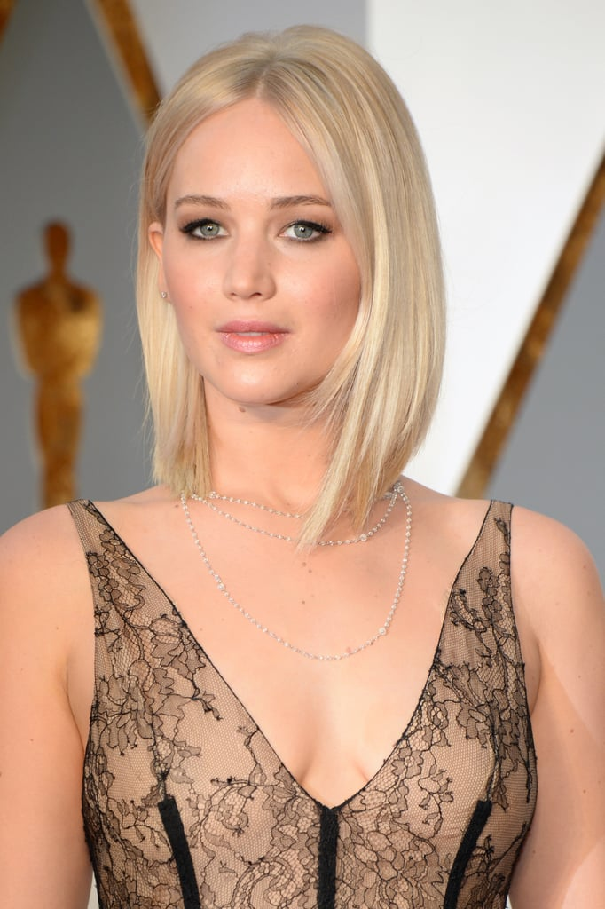 Jennifer Lawrence S Hair And Makeup At The 2016 Oscars