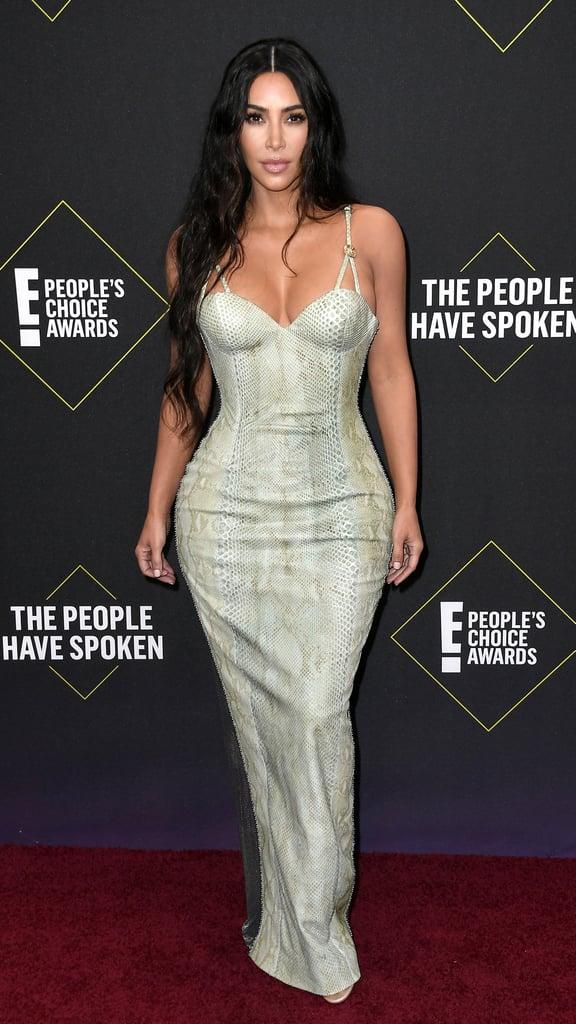 Kim Kardashian Interrupts Kourtney at People's Choice Awards