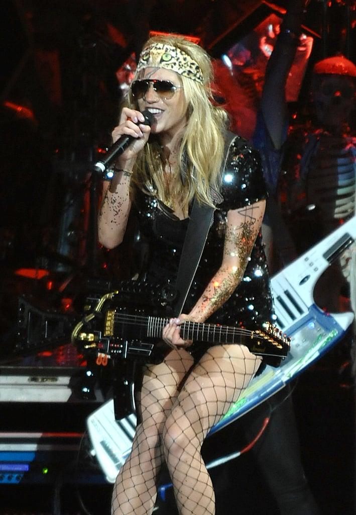 Queen of Rock u0027nu0027 Roll Kesha  sc 1 st  Popsugar & Queen of Rock u0027nu0027 Roll Kesha | Kesha Halloween Costume Ideas ...