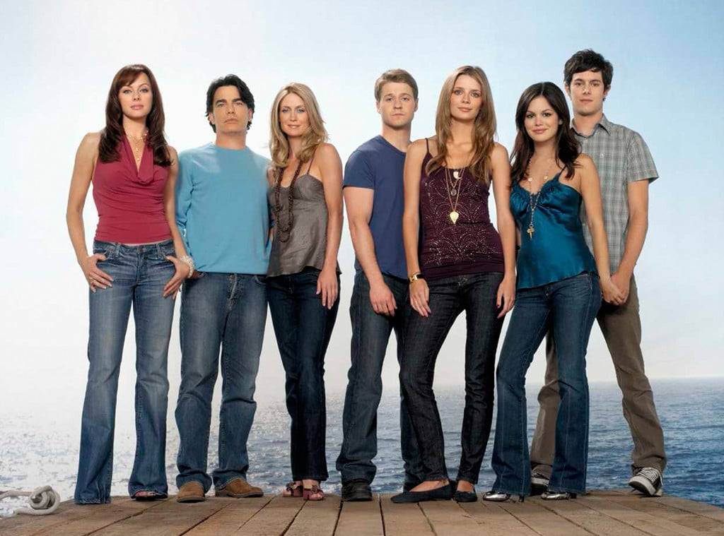 The Best Outfits and Style From The O.C.