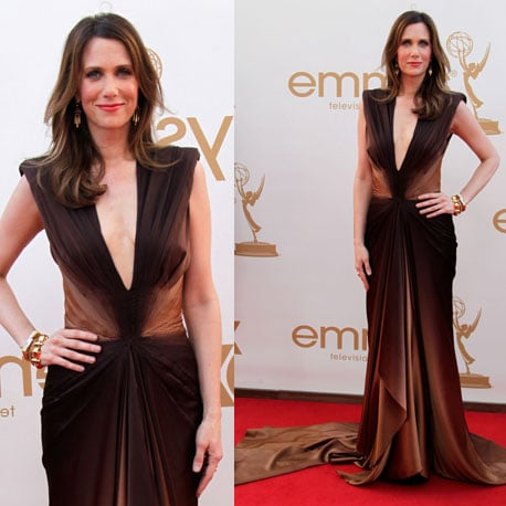Pictures of Kristin Wiig in Zac Posen ombre bronze gown on the red carpet at the 2011 Emmy Awards