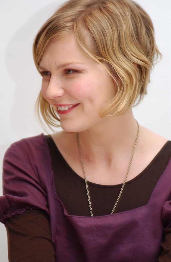 Kirsten's short, angled crop looked playful with a glossy pink lip at a press conference for Mona Lisa Smile in 2003.