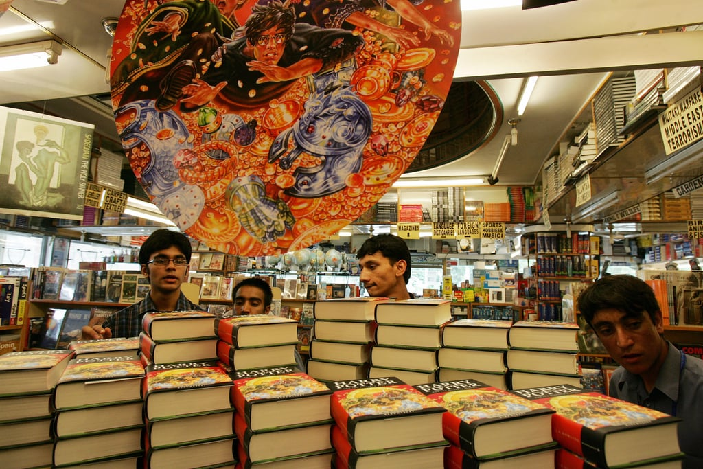 When These Fans Couldn't Help but Stop and Admire the Books in Pakistan